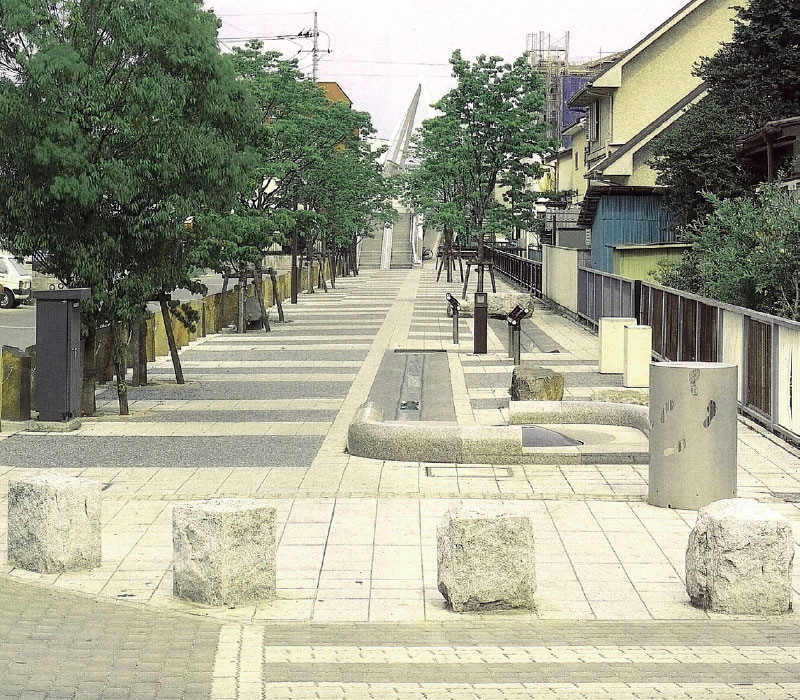 宇都宮駅東(栃木県)本石スツール